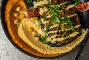 Mit Chipotle Hummus und Hummus Natur