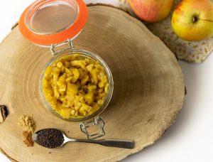 Frisch eingekochtes Apfel-Fenchel-Chutney