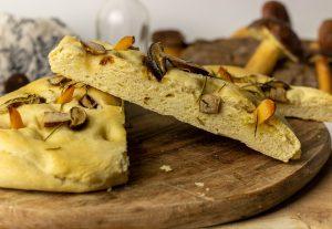 Steinpilz Focaccia – fluffiges italienisches Ofenbrot, einfach selbstgemacht