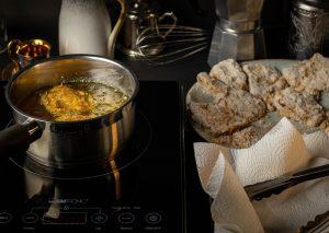 Frittieren der Austernseitling Nuggets