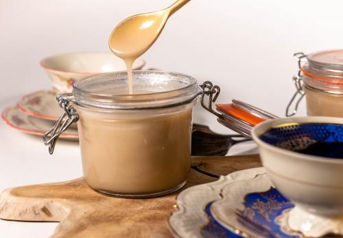 Süße, sämige Kondensmilch aus nur 2 Zutaten!