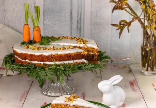 Den Frühlingsbeginn feiert man am besten mit einem Karottenkuchen