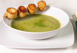 Cremige Bärlauchs-Fenchel-Spinat-Suppe
