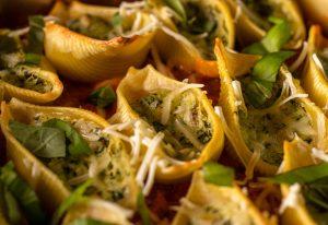 Cremig gefüllte Pasta Shells