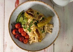 Paprikasauce mit Pasta und geröstetem Gemüse