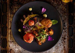Herbstliche Seitan Steaks – aromatisch aus Pilzen, Beete und Holunder