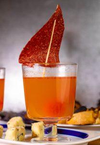 Tomaten als klare Suppe, perfekt als Vorsuppe für Mehrgangmenüs
