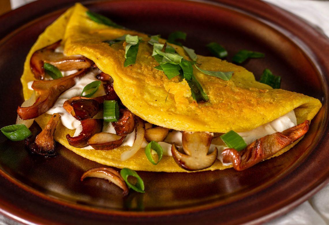 Herbstliche Omelettes mit Wildpilzen und Ricotta - vegan