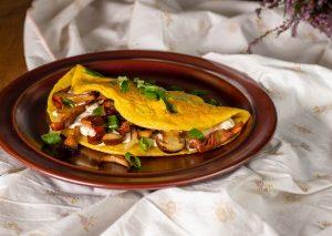 Mit Wildpilzen, Lauchzwiebeln und selbstgemachtem, veganem Ricotta